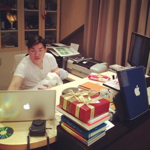 nicki-minaj-names-her-wigs-1