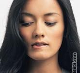 1300430392_model-nibbling-lips_300