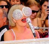 ladygaga-sparkly-glasses