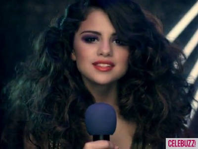 selena-gomez-love-you-like-a-love-song-400x300-jpg-love-you-like-a-love-song-23425342-400-300