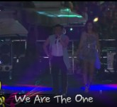 35104-live-psy-concert-continues-with-we-are-the-one-and-its-art