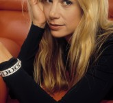 mira-sorvino-9850-photo-large-2