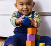 baby_playing_with_blocks-e1281709483992