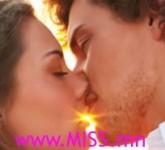 kissing_965824