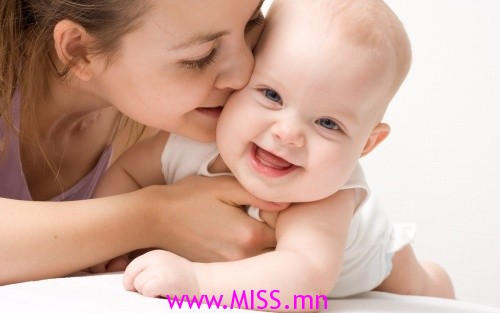 mother-cares-baby_bd1aed53