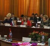 miley-cyrus-cigarrette-mtv-ema-lead13049497152013-11-11-13-30[www.urlag.mn]