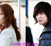 young-girl-looks-after-a-face-skin-cucumbers-and-yogurt-