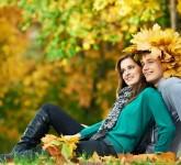 Couple-in-Love-Fall-Walk