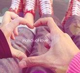 Hands-Close-Up-And-Heart-Lovers-Couple-Hd-Wallpaper