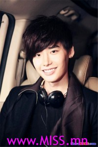 KaraZONE.com---Lee-Jong-Suk