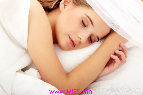 woman-sleeping-during-periods
