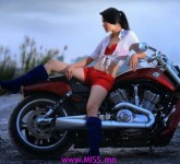 2014022612112024-motorcycle_girls