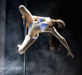 101-pole-dancers