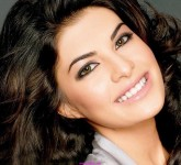 jacqueline-fernandez-welcome-in-france