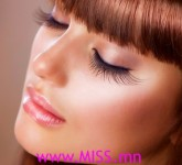 Makeup-Tricks-For-Longer-EyeLashes