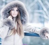 women_winter_snow_models_fur_coat_1920x1080_wallpaper_Wallpaper_2560x1440_www.wall321.com