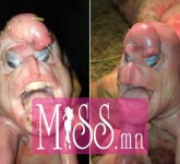 rihanna-grammys-2015-red-carpet-28