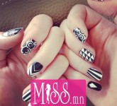 Best-Black-And-White-Nail-Arts-5