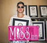 Justin-Bieber-Guinness-World-Records-compressed482305675201608300059