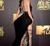 kendall-jenner-at-2016-mtv-movie-awards-in-burbank-04-09-2016_17888865070201608290028
