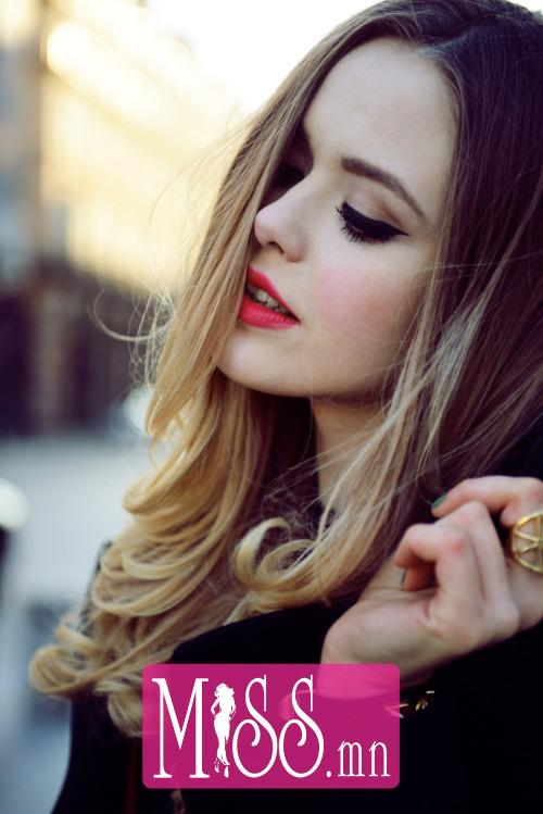 content_woman-rinses-hair