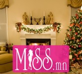 New_Year_wallpapers_New_year_tree_is_at_the_tidy_home_050636_