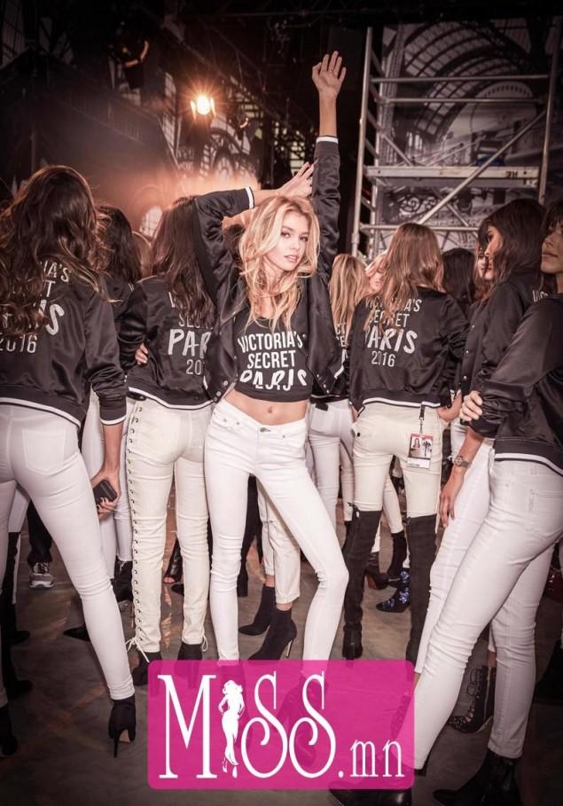 girl-iphone-pink-starbucks-Favim.com-624083